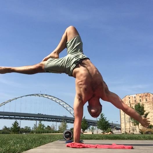One Arm Handstand